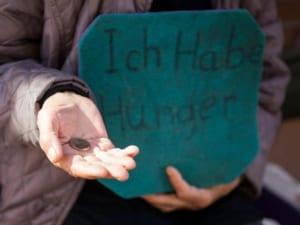 Điều kiện để xét hộ cận nghèo, hộ nghèo theo quy định của pháp luật